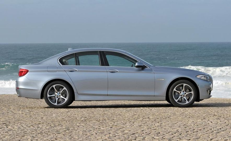 2012 BMW ActiveHybrid 5 - Slide 4
