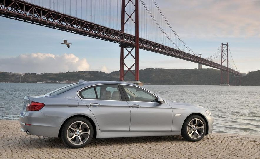 2012 BMW ActiveHybrid 5 - Slide 8