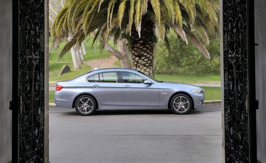 2012 BMW ActiveHybrid 5 - Slide 15