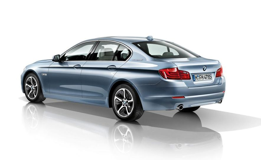 2012 BMW ActiveHybrid 5 - Slide 39