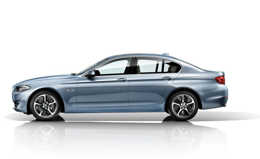 2012 BMW ActiveHybrid 5 - Slide 40