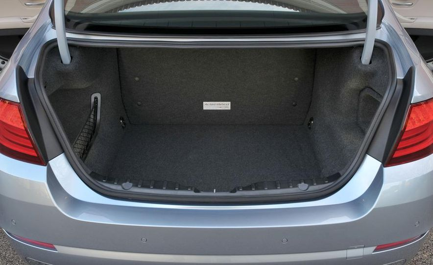 2012 BMW ActiveHybrid 5 - Slide 35