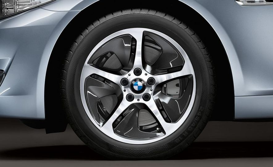 2012 BMW ActiveHybrid 5 - Slide 44