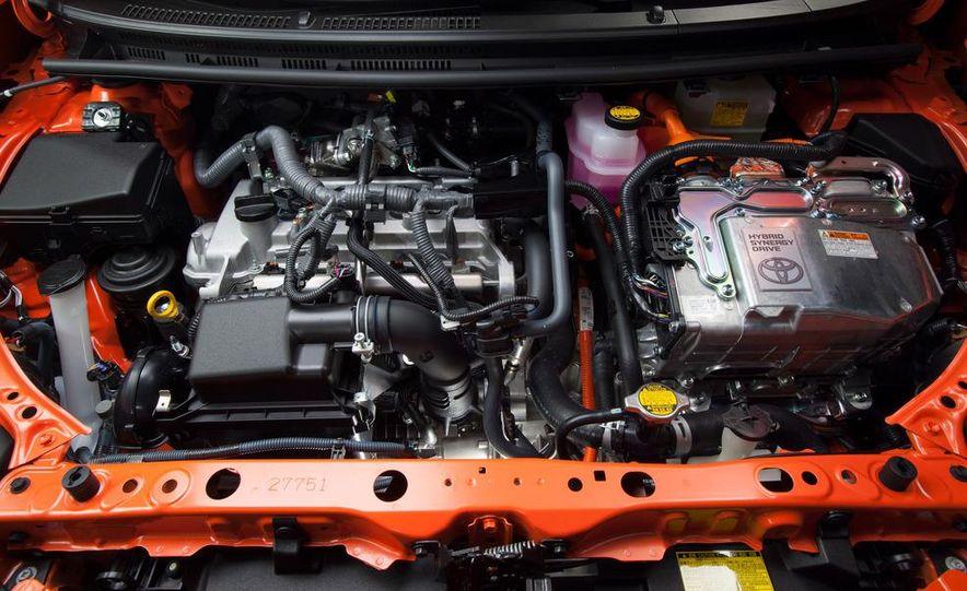 2012 Toyota Prius C - Slide 21
