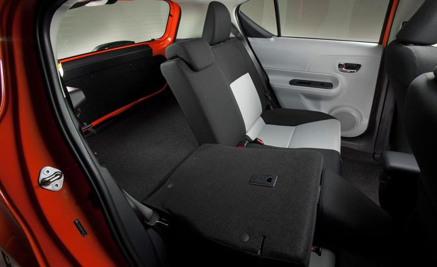 2012 Toyota Prius C - Slide 16
