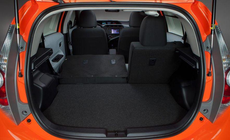 2012 Toyota Prius C - Slide 20