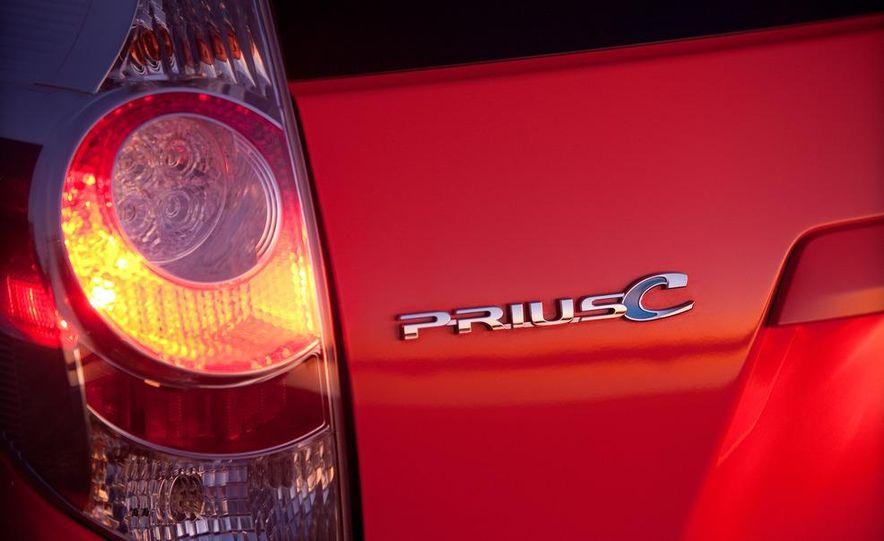 2012 Toyota Prius C - Slide 28