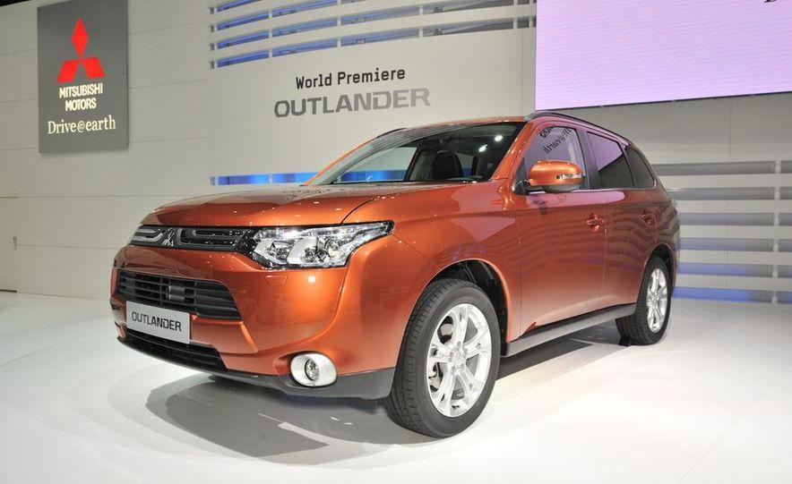 2013 Mitsubishi Outlander (Euro-spec) - Slide 1