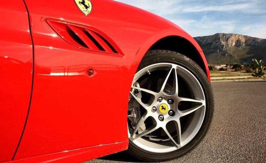 2013 Ferrari California - Slide 47