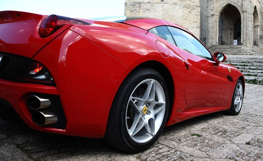 2013 Ferrari California - Slide 45