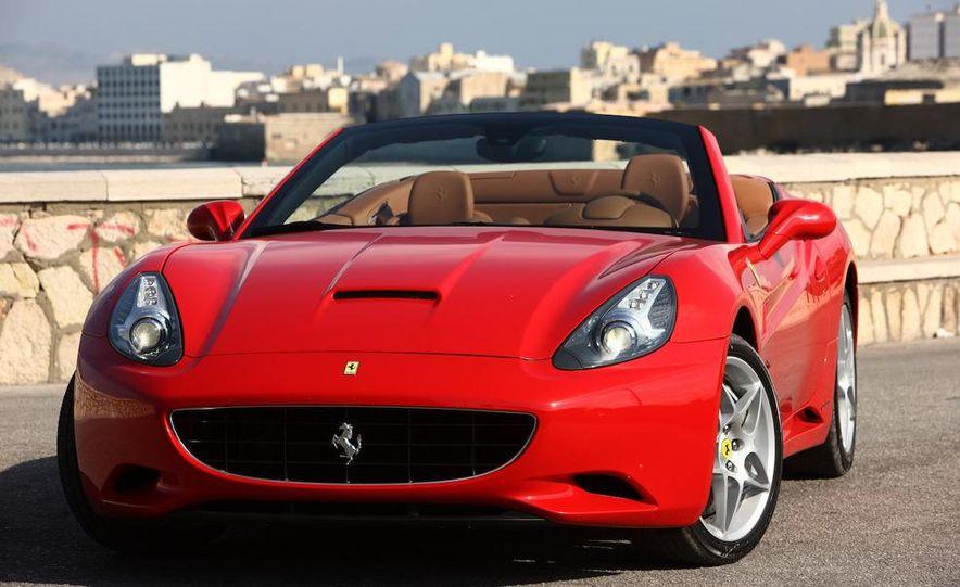 2013 Ferrari California - Slide 32
