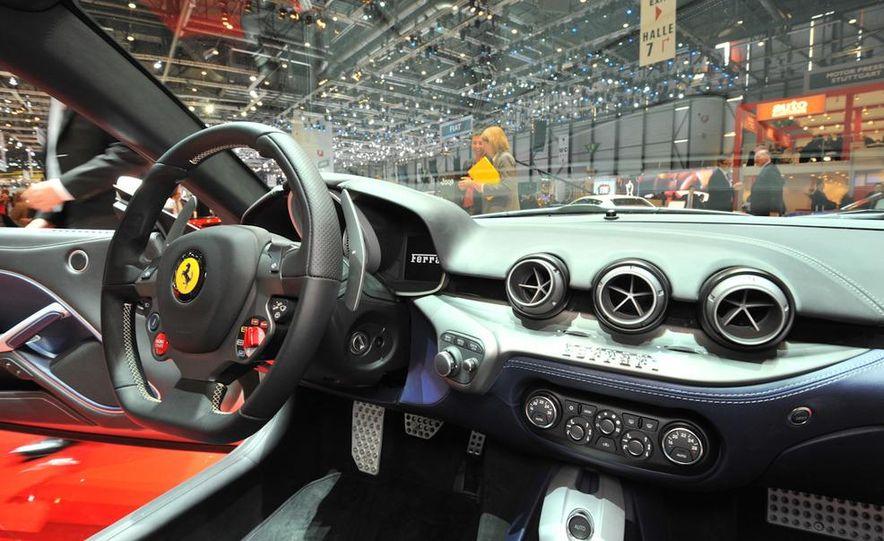 2013 Ferrari California - Slide 12