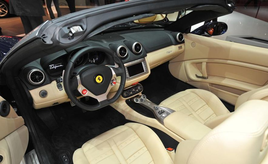 2013 Ferrari California - Slide 19
