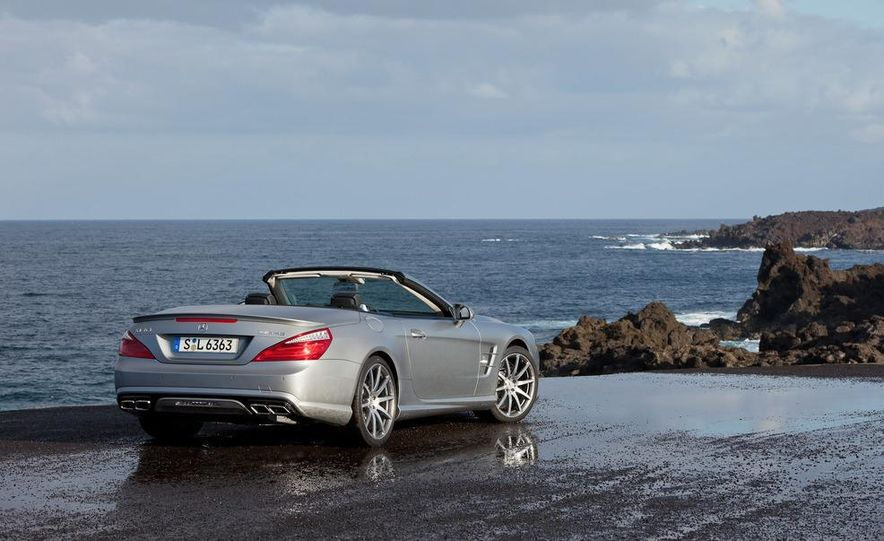 2013 Mercedes-Benz SL63 AMG - Slide 49