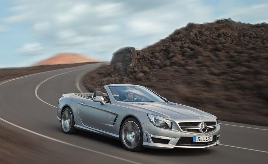 2013 Mercedes-Benz SL63 AMG - Slide 52