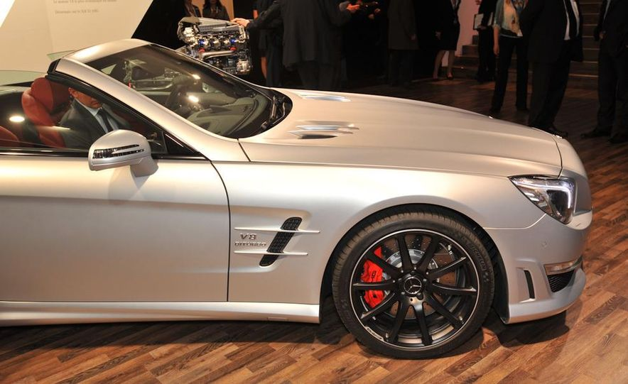 2013 Mercedes-Benz SL63 AMG - Slide 15