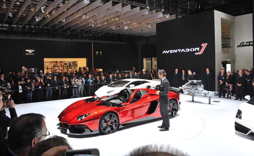 Lamborghini Aventador Jota - Slide 3