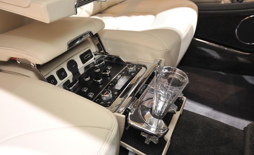 2013 Bentley Mulsanne Mulliner - Slide 13