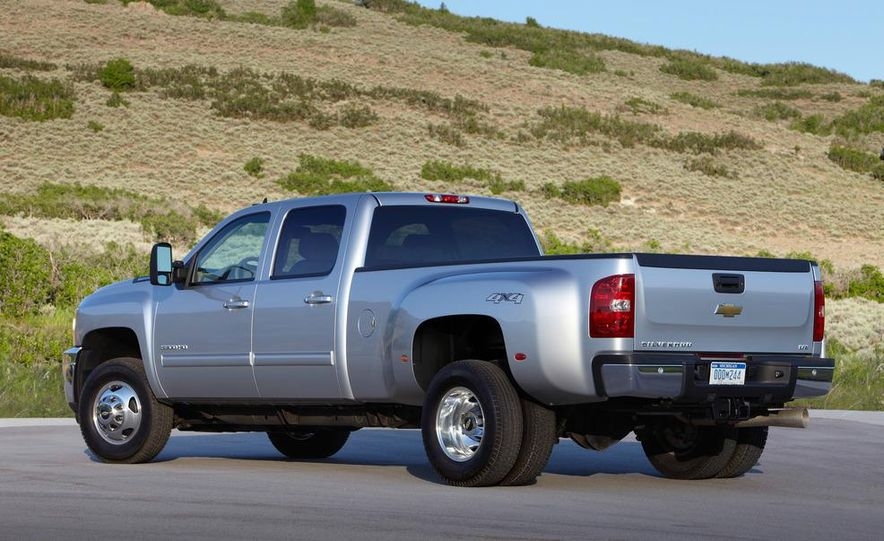 2012 Chevrolet Silverado 2500 HD - Slide 4