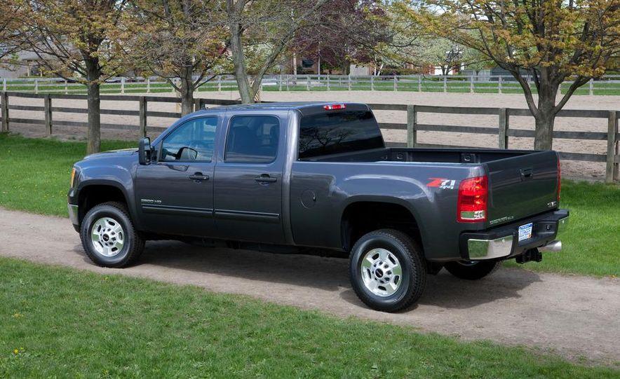 2012 Chevrolet Silverado 2500 HD - Slide 12