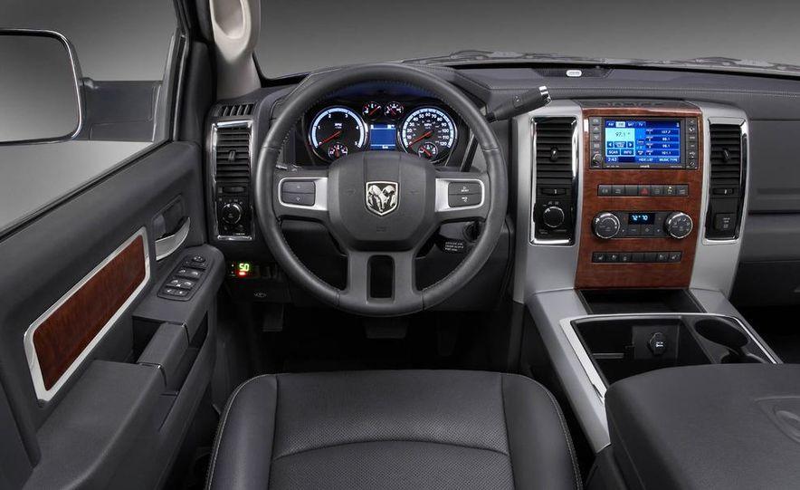 2012 Chevrolet Silverado 2500 HD - Slide 16