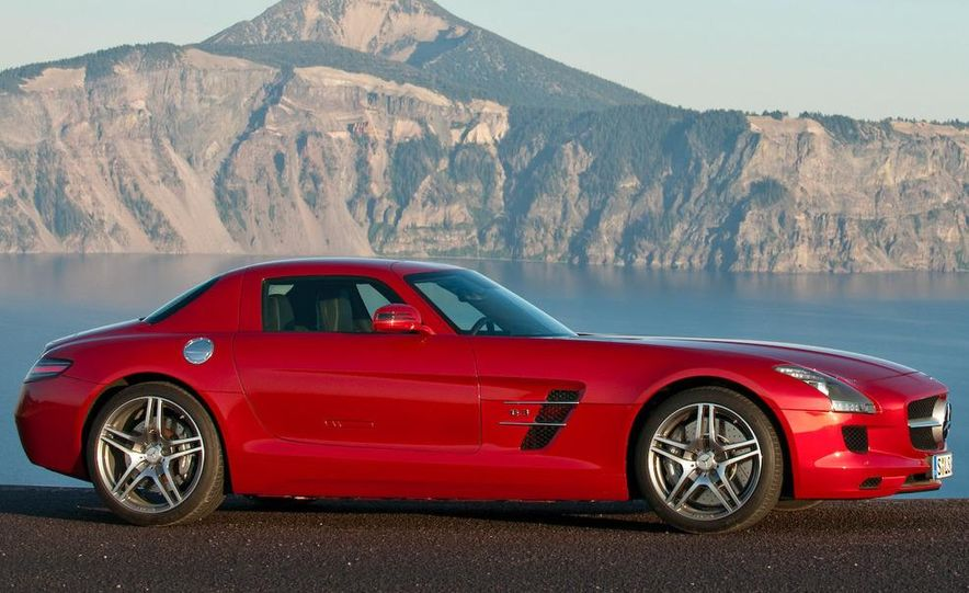 2015 Mercedes-AMG SLC (artist's rendering) - Slide 26