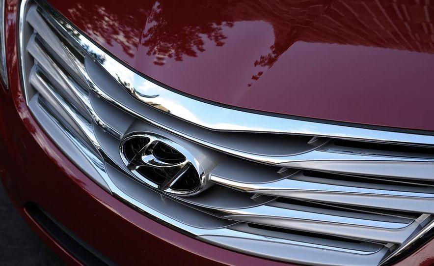 2012 Hyundai Azera - Slide 23