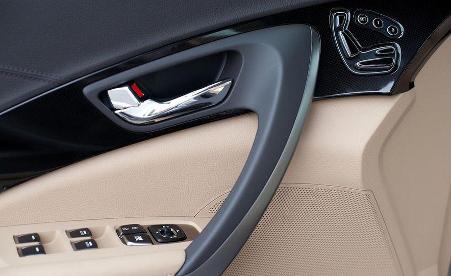 2012 Hyundai Azera - Slide 32
