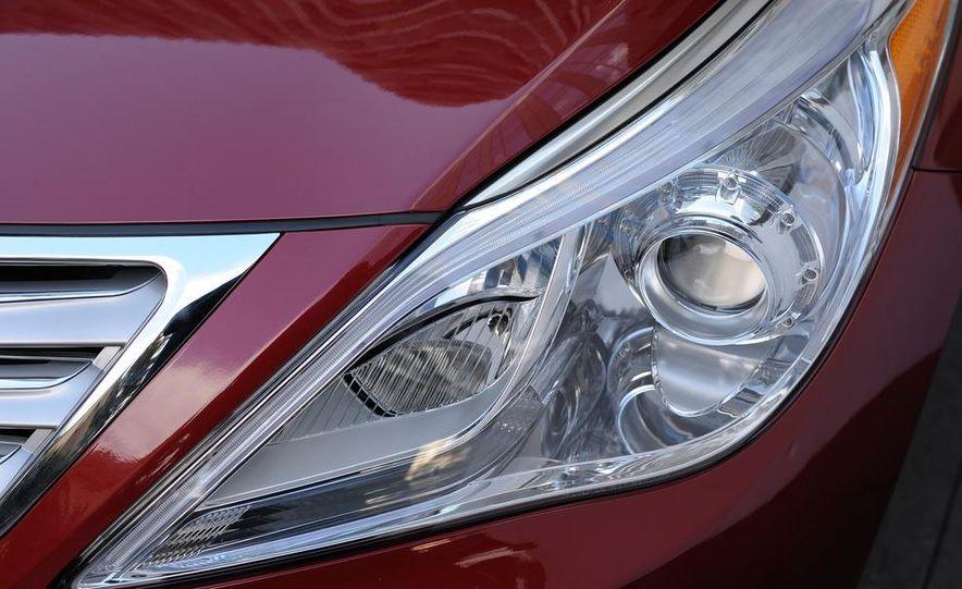 2012 Hyundai Azera - Slide 22
