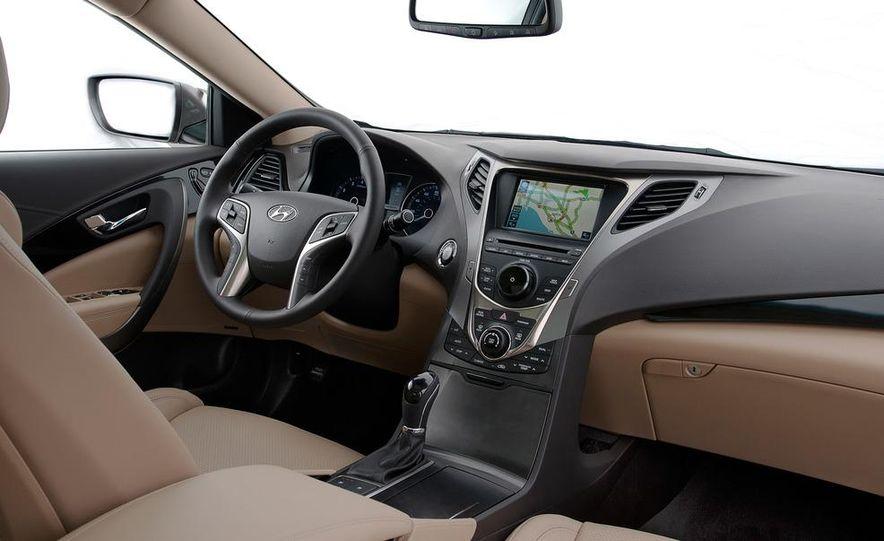 2012 Hyundai Azera - Slide 26