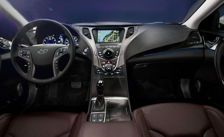 2012 Hyundai Azera - Slide 27
