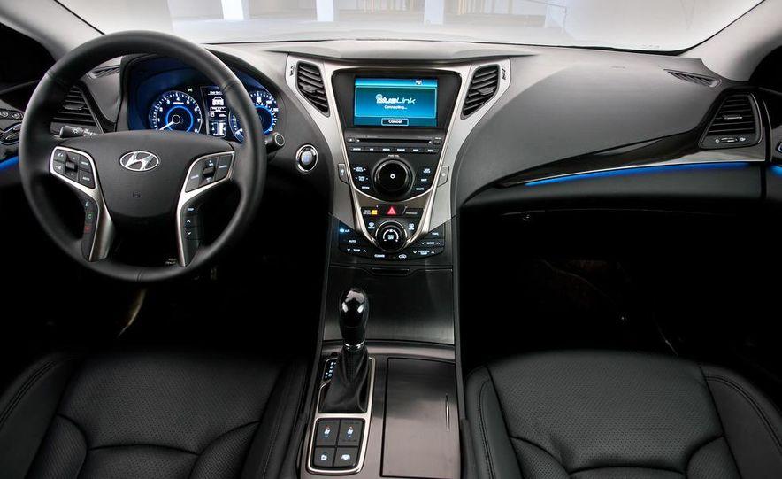 2012 Hyundai Azera - Slide 31