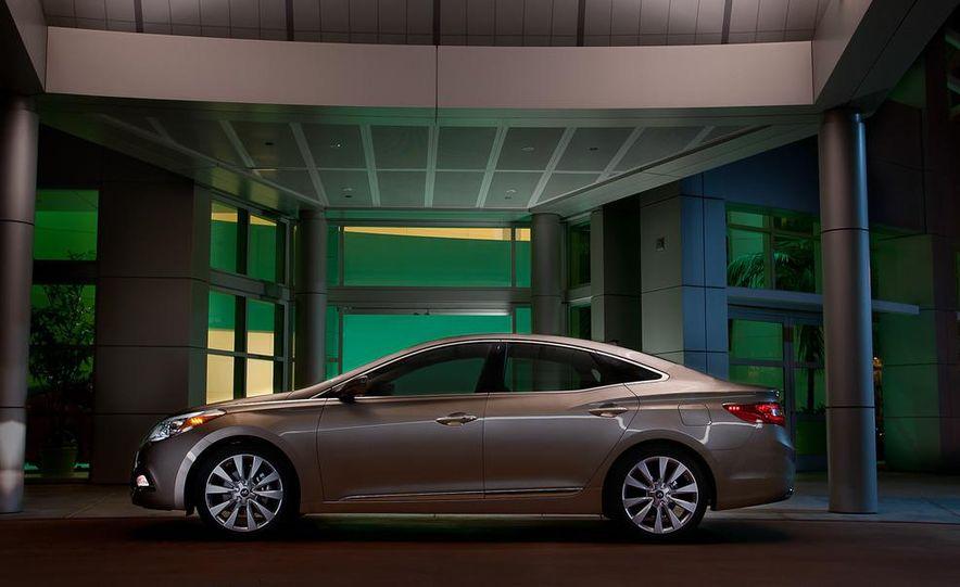 2012 Hyundai Azera - Slide 7