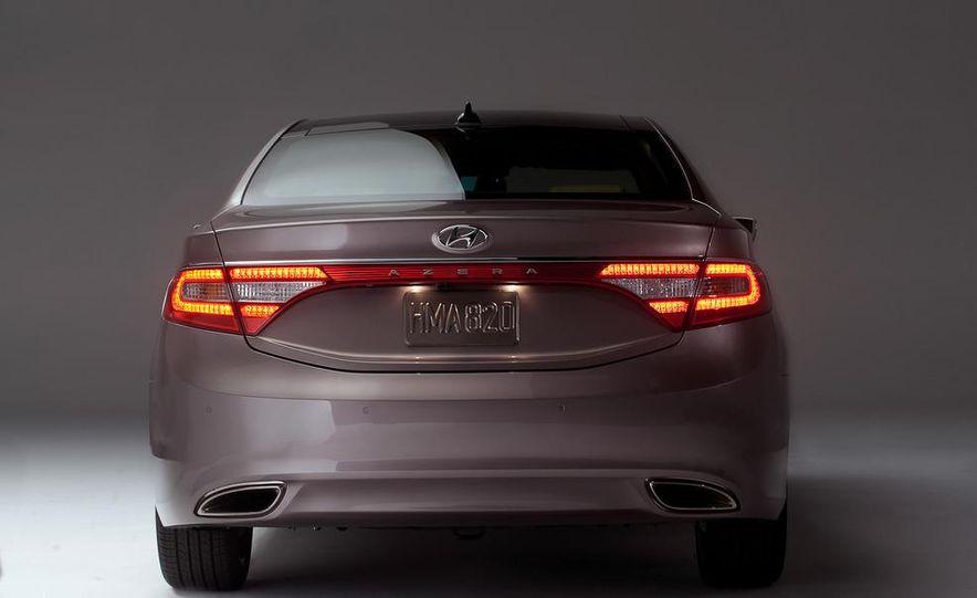 2012 Hyundai Azera - Slide 8