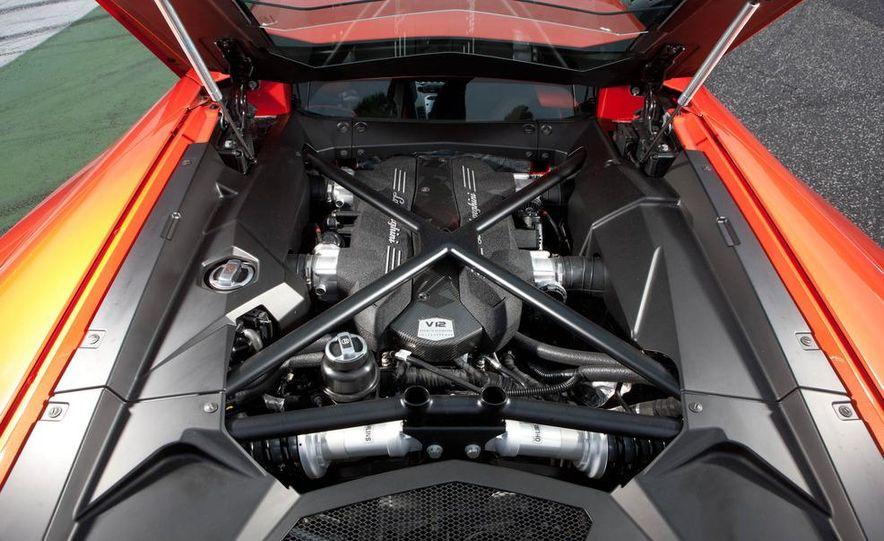 2013 Lamborghini Aventador Roadster (spy photo) - Slide 37
