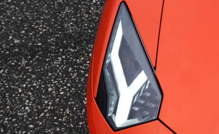2013 Lamborghini Aventador Roadster (spy photo) - Slide 28
