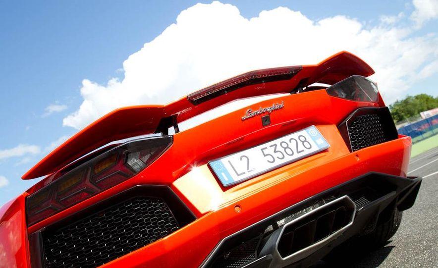 2013 Lamborghini Aventador Roadster (spy photo) - Slide 25