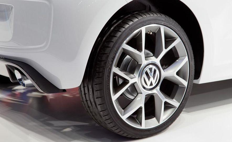 Volkswagen Cross Up! concept - Slide 15