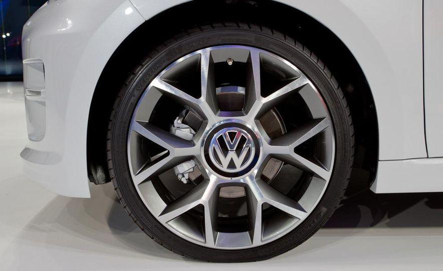 Volkswagen Cross Up! concept - Slide 14