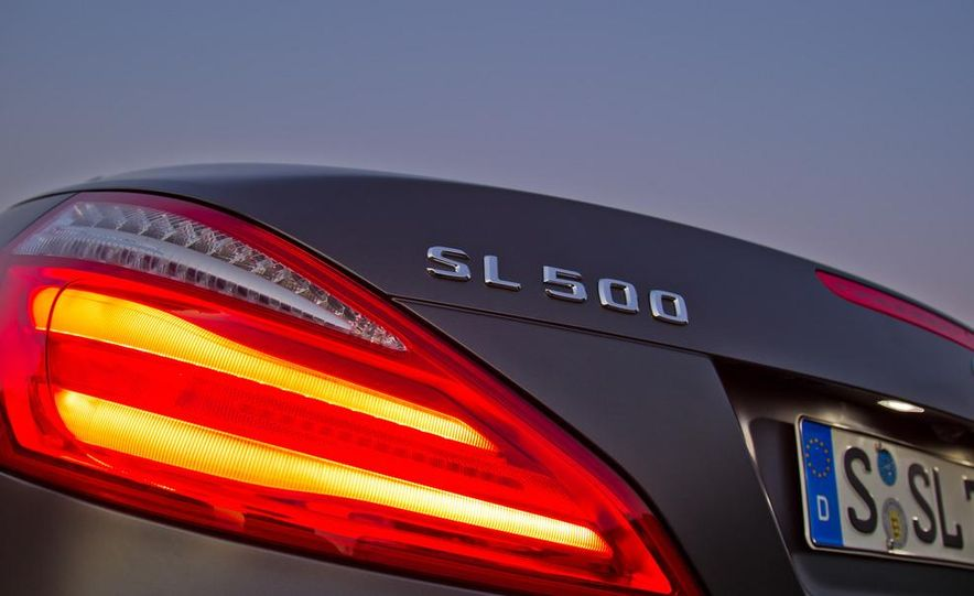 2013 Mercedes-Benz SL500 - Slide 11