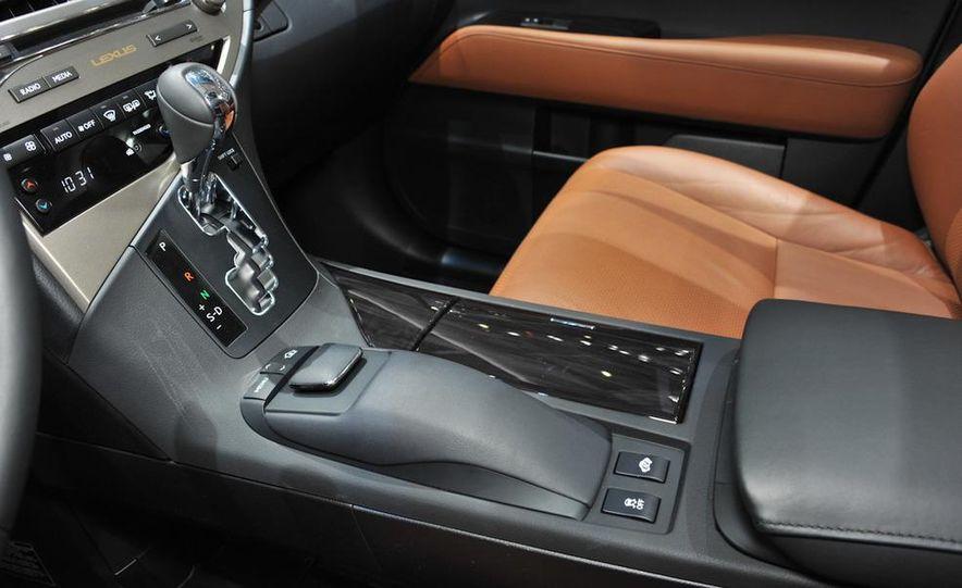 2013 Lexus RX450h - Slide 12