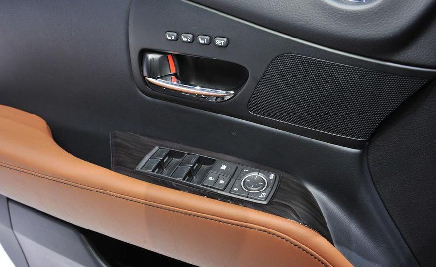 2013 Lexus RX450h - Slide 11
