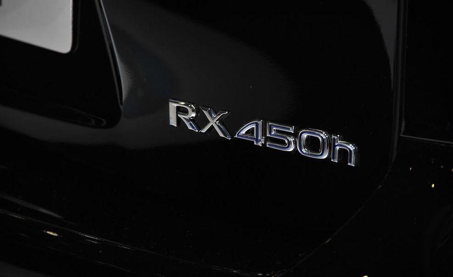 2013 Lexus RX450h - Slide 37