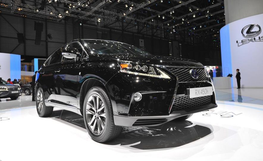 2013 Lexus RX450h - Slide 20