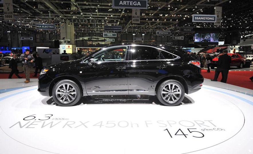 2013 Lexus RX450h - Slide 22