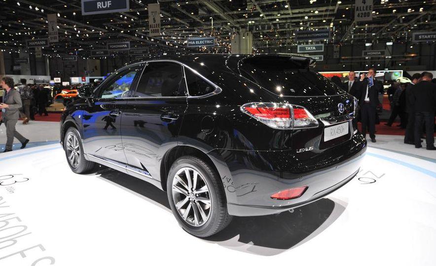 2013 Lexus RX450h - Slide 23