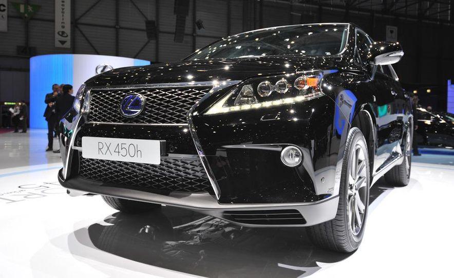 2013 Lexus RX450h - Slide 24