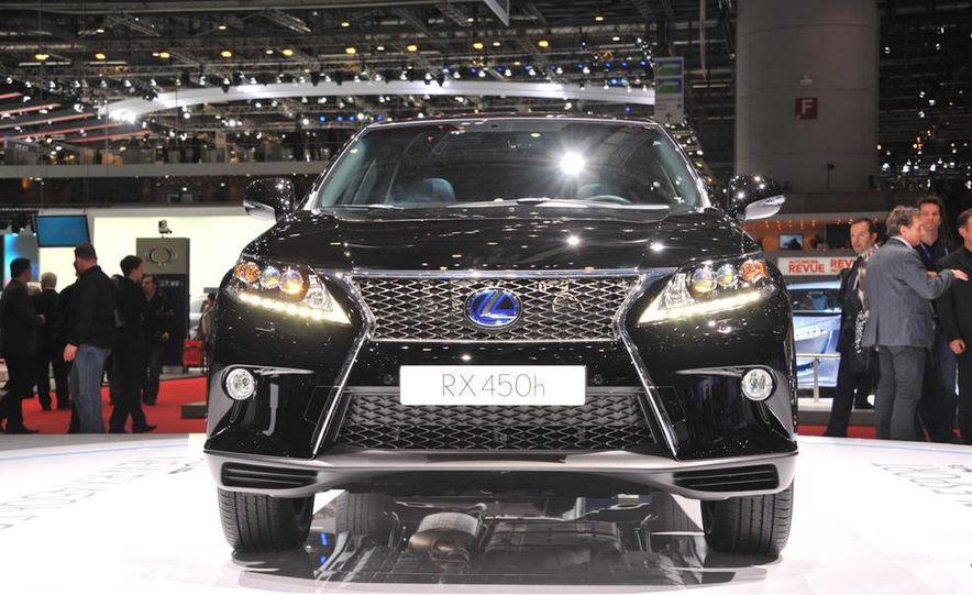 2013 Lexus RX450h - Slide 25