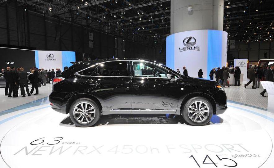 2013 Lexus RX450h - Slide 27