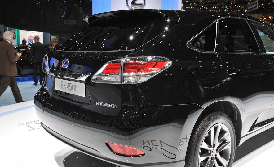 2013 Lexus RX450h - Slide 30